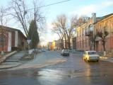 На ул.Шевченко. Детская поликлиника - справа.